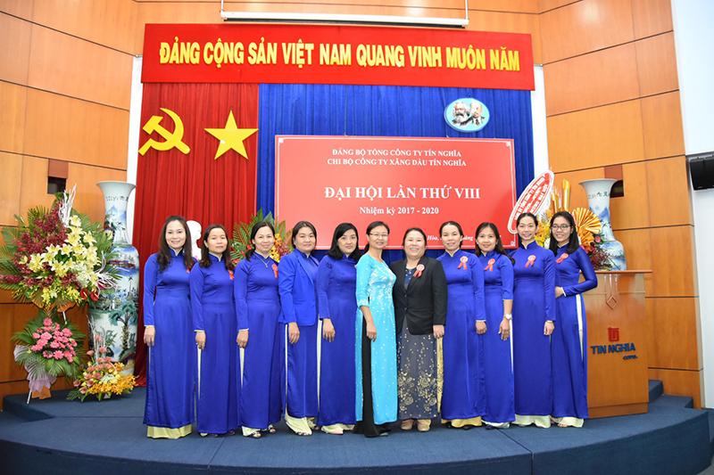 Đại hội chi bộ Công ty xăng dầu Tín Nghĩa lần VIII